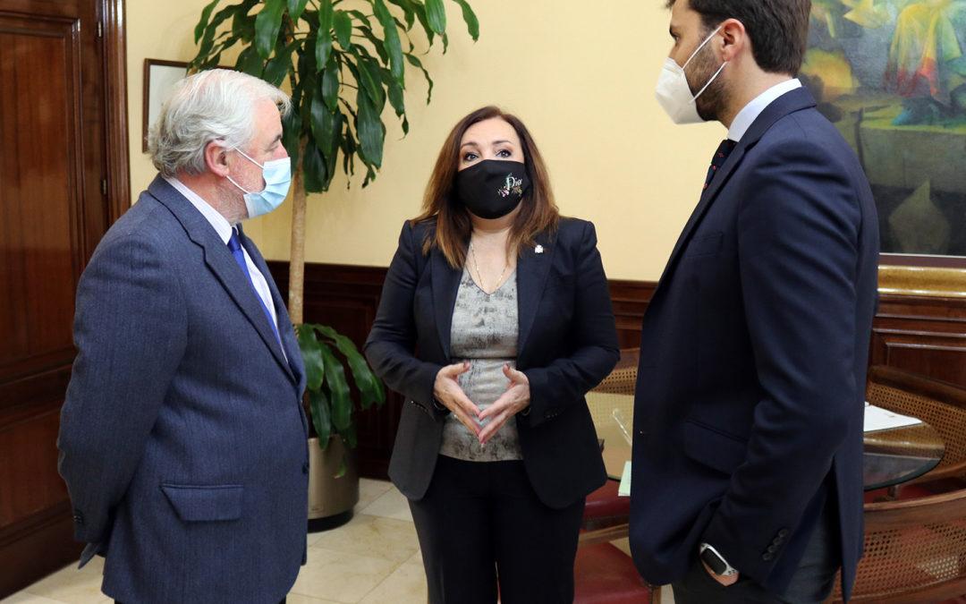 Apoyo de la subdelegada del Gobierno en Jaén al Clúster del Plástico de Andalucía
